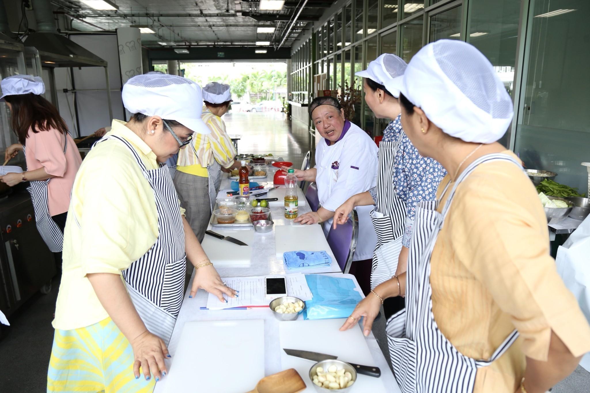อาหารไทยโบราณ สืบสานตำนานชาววัง