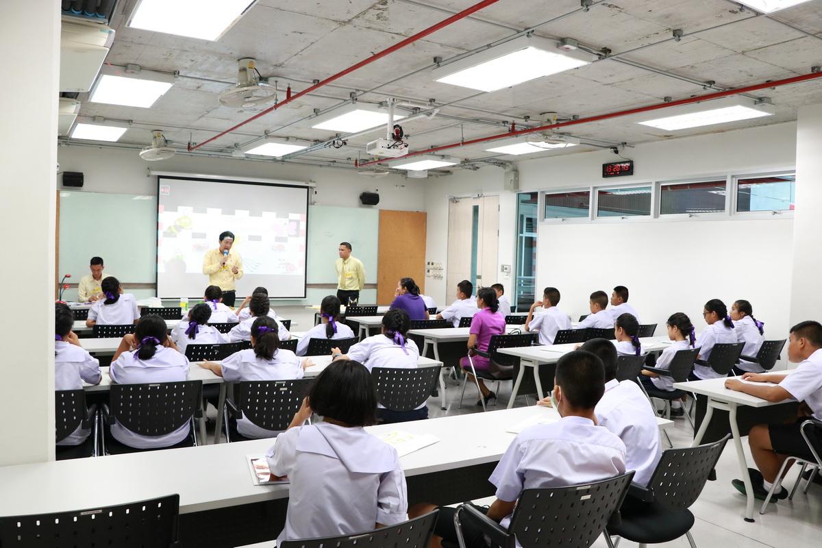โครงการพัฒนาคุณภาพการศึกษาและพัฒนาท้องถิ่นโดยมีสถาบันอุดมศึกษา