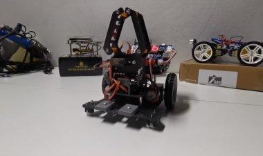 Learn online กับ CodingBOT หุ่นยนต์เพื่อการเรียนรู้ที่ใช้ KidBright ทำงานร่วมกับ iKB-1