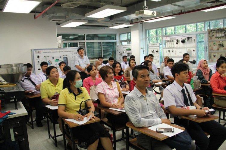 ปฐมนิเทศการฝึกประสบการณ์วิชาชีพ โรงเรียนจิตรลดาวิชาชีพ สถาบันเทคโนโลยีจิตรลดา